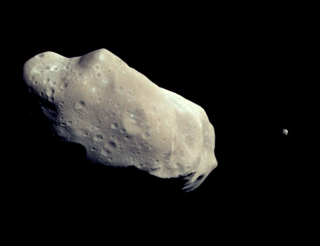 Photographic image of the asteroid Ida and it's moon, Dactyl
