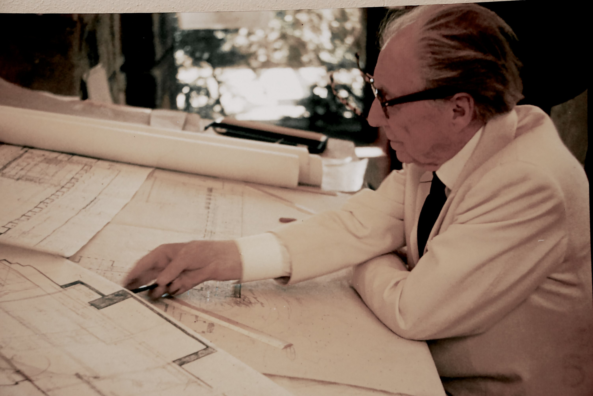 Image of Frank Lloyd Wright