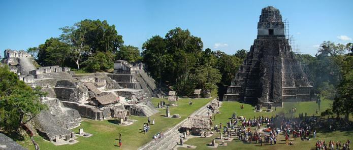 Tikal Temple in Guatemala with a bunch of tourists