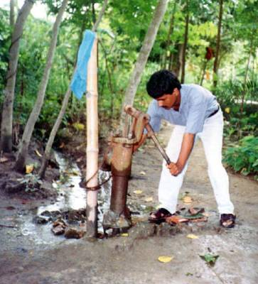 groundwater pollution in bangladesh Bangladesh is the lower riparian of three major river systems, the ganges- pad, the  source: department of environment, 2000) groundwater pollution.