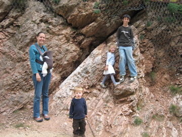 Eliza and 4 kids at the K/T boundary in Gubbio