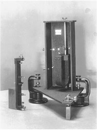 wood-anderson torsion seismometer
