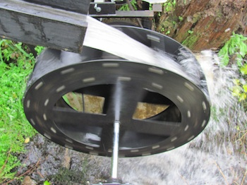 how to make a water turbine to generate electricity