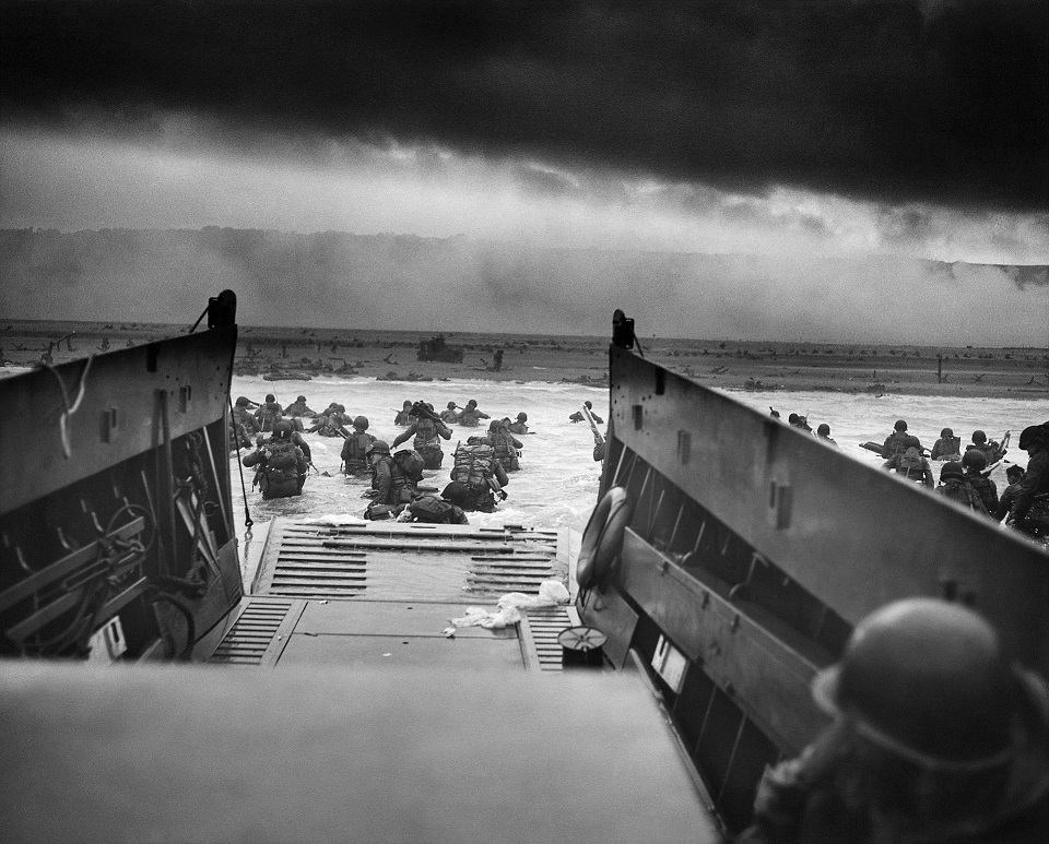 Photograph of troops landing on D-Day